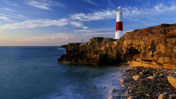 lighthouse-dorset-england_0.jpg